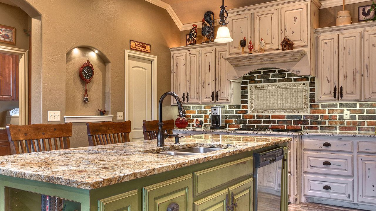 Champion 1 Builders Custom Kitchen