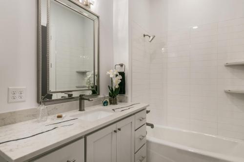 031_Bathroom 2