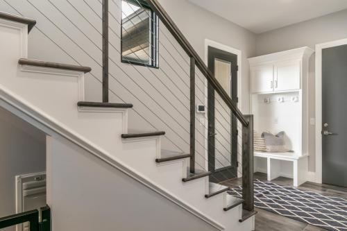 032_Stairway and Mud Room