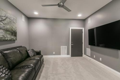 035_Media Room