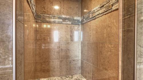 champion-1-builders-custom-bathroom-11