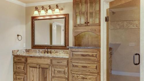 champion-1-builders-custom-bathroom-13
