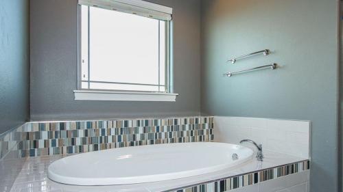 champion-1-builders-custom-bathroom-5